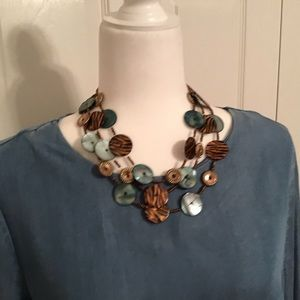 Jewelry - Tiger and turquoise short necklace